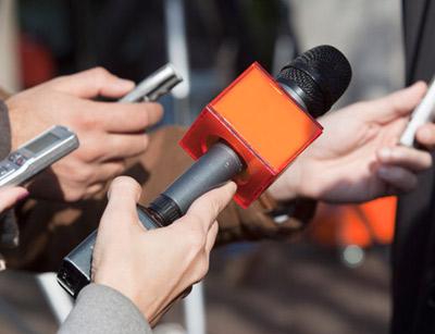 آشنایی با خبرنگار اقتصادی