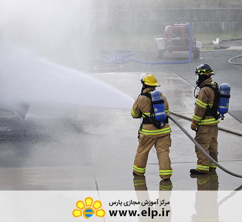 تکنسین عملیات امداد و نجات آتش نشانی